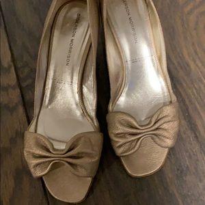 Sigerson Morrison kitten heels. Gold.